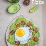 Opskrift: Avokado morgenmadspizza